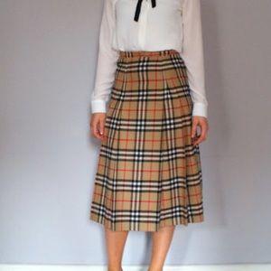 Burberry Vintage Nova midi pleated skirt